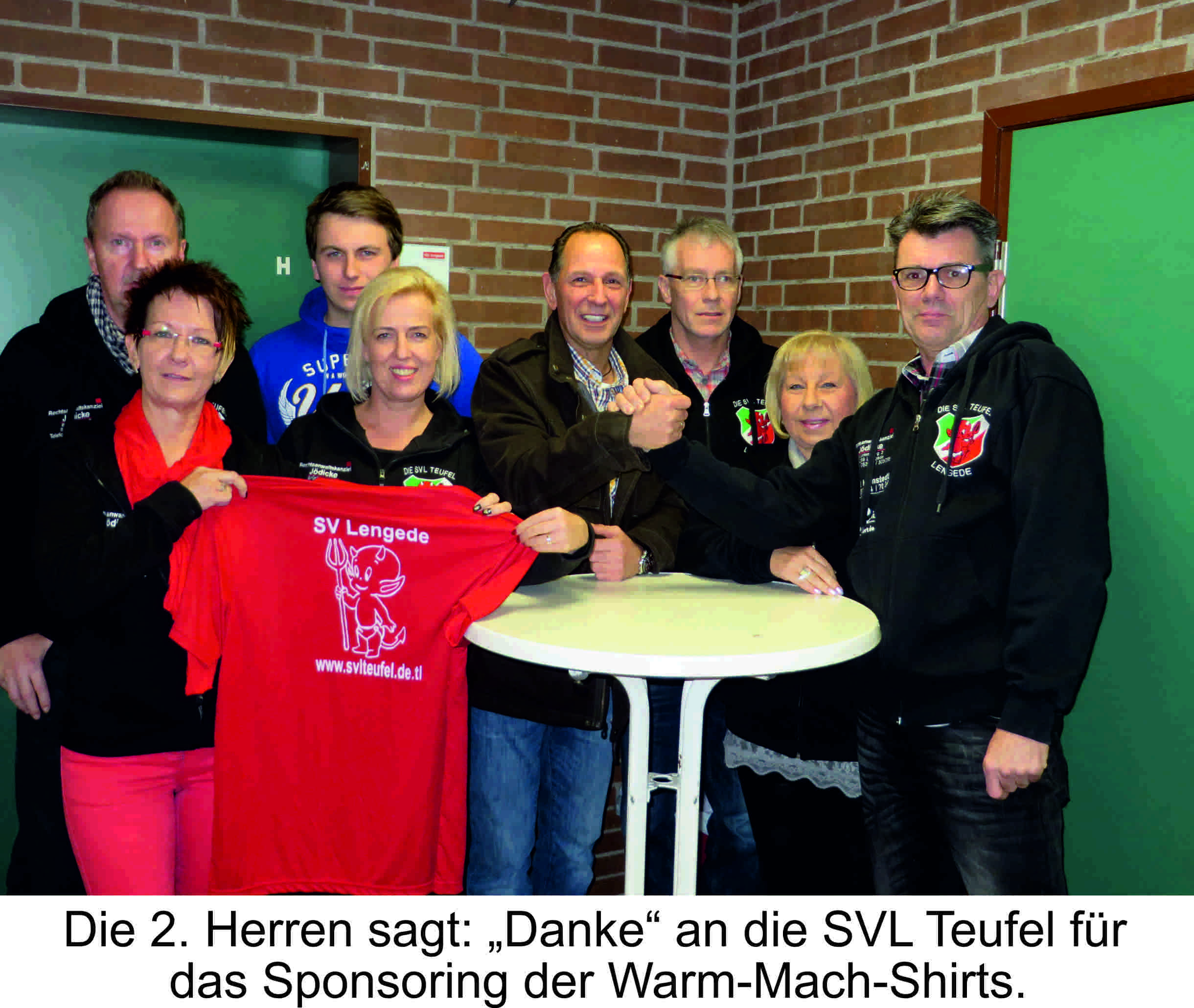 20150127.fussball.2herren.teufel.shirts